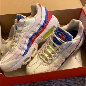 Nike Aimax Sneakers